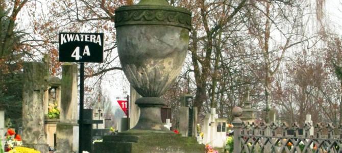Wielkanocna kwesta na radomskim cmentarzu rzymskokatolickim